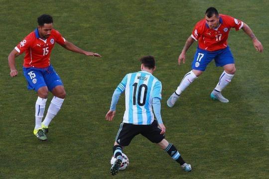 Messi tuvo doble marca y marca escalonada