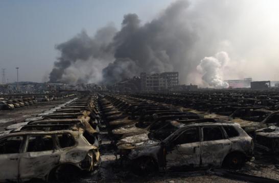 Miles de automóviles quedaron calcinados