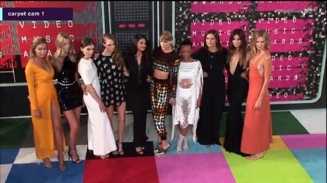 Taylor Swift e Selena Gomez também já chegaram.