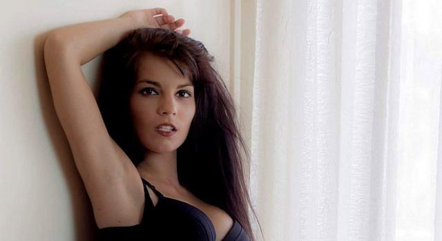 Tatiana diz que faz o que qualquer modelo faz