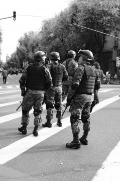 Militares, fotografía Mitzi Vera