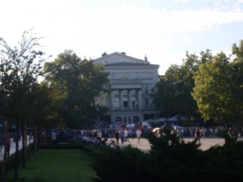 Uczestnicy na placu Wolności w Poznaniu