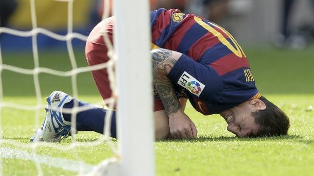 Messi se fue lesionado al comienzo del partido