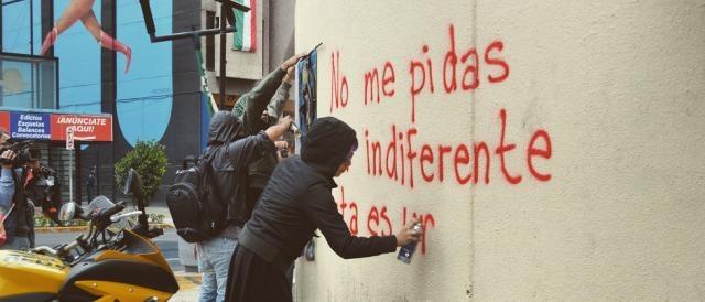 Por Mitzi Vera, pintadas por Ayotzinapa