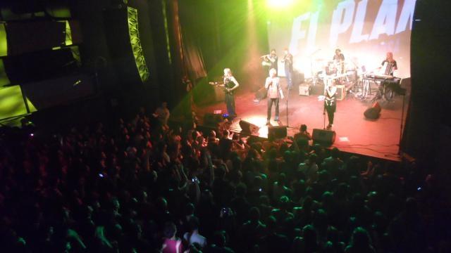 Los ocho integrantes de una banda muy especial