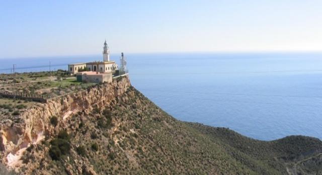 El Faro de Mesa Roldán en Almería