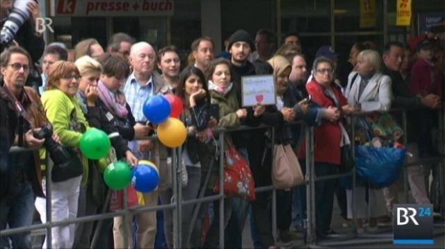 München begrüßt die Flüchtlinge herzlich