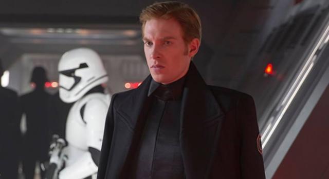 Star Wars El Despertar de la Fuerza General Hux