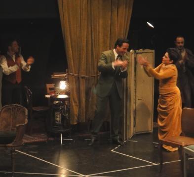 Paola Barrientos; Diego Velázquez y gran elenco.