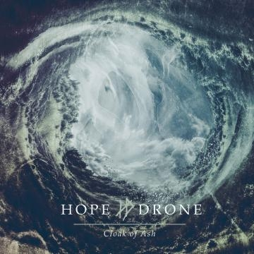 Hope Drone e o enorme Cloak Of Ash