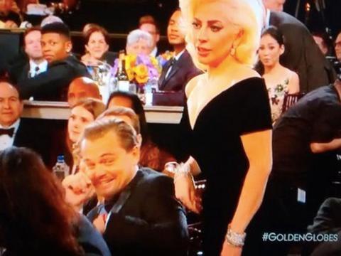 Le imperdibili smorfie di Leo con Gaga