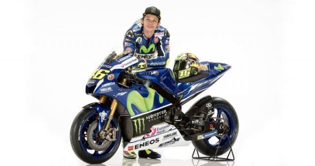 Valentino Rossi con su nueva moto