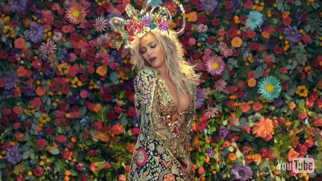 Beyoncé. Hymn for the weekend. 2016. Coldplay