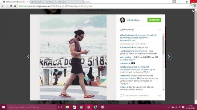 Kit Harington em caminhada pela orla de Ipanema