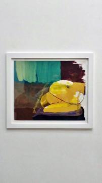 Colori e multimateriale nelle opere di Odessa Straub a Napoli
