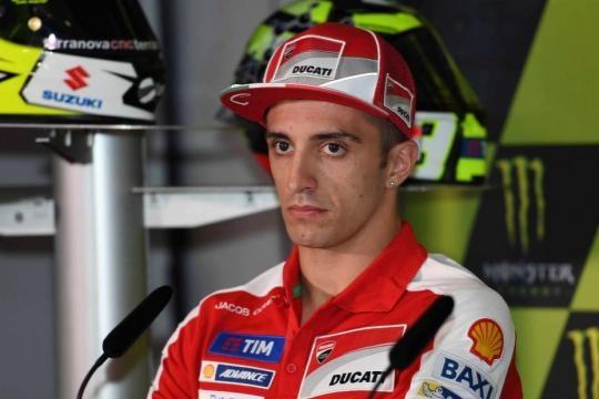Belen Rodriguez : Andrea Iannone nel box Ducati - iannone ducati ... - melty.it