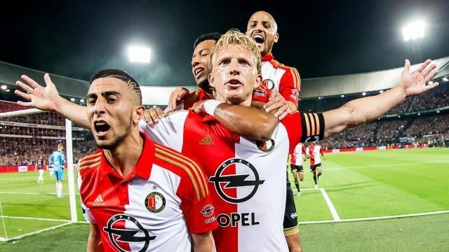 Com Kuyt, o Feyenoord lidera a Eredivisie