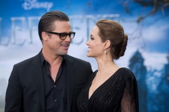 Brad Pitt and Angelina Jolie to divorce after claims he cheated ... - thesun.co.uk