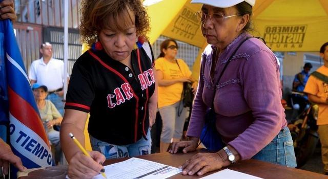 Venezuela suspende recolección de firmas para referendo - nacion.com