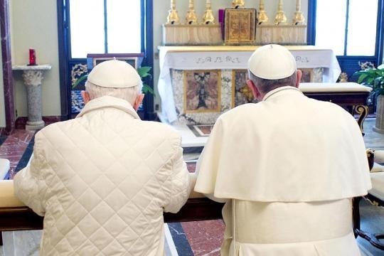 Papa Francesco e Papa emerito   Vita Da Donna - vitadadonna.com