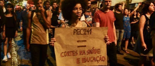 Sindicatos consideram que a PEC do Teto provocará uma redução no investimento em Educação e Saúde. (Foto: Rovena Rosa / Agência Brasil)