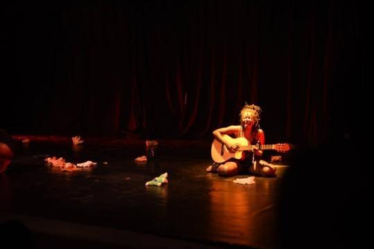 Savhane Biley à l'institut Goethe pour une performance