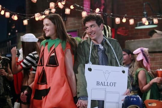 How I Met Your Mother: Here's Your First Look at Katie Holmes as ... - tv.com