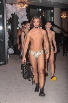 La sfilata uomo al Fashion Red Carpet 2016
