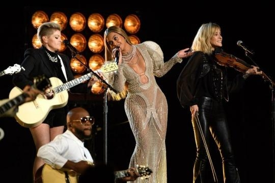 Beyonce & the Dixie Chicks Totally Killed It at the 2016 CMAs ... - zimbio.com