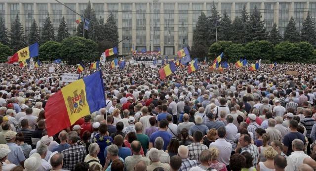 Oltre 20 mila persone hanno partecipato alle proteste nel centro ... - sputniknews.com