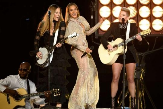 Think Beyoncé doesn't belong at the CMAs? Then you don't know the ... - sfgate.com