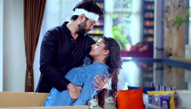 Anika becomes victim of Shivaay's anger In Ishqbaaz - The Viral Story - theviralstory.com