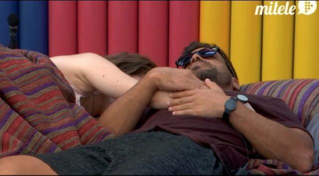 Meritxell y Alain durmiendo juntos