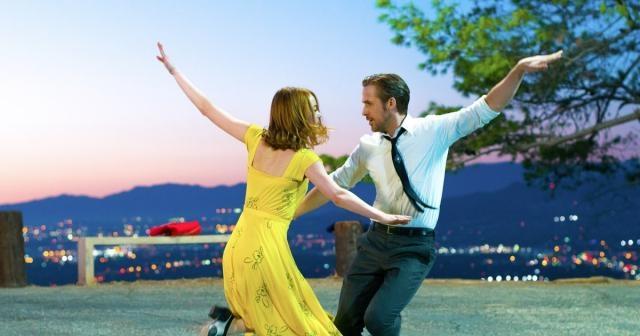 Watch Emma Stone Sing to Ryan Gosling in 'La La Land' Trailer ... - rollingstone.com