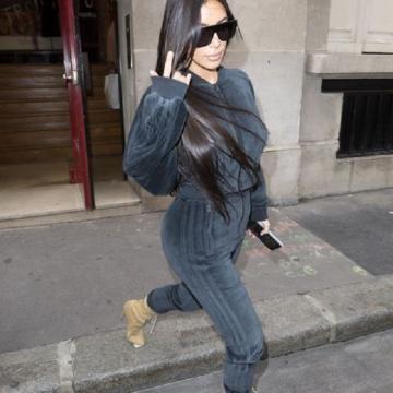 Kim lors de la Fashion Week à Paris