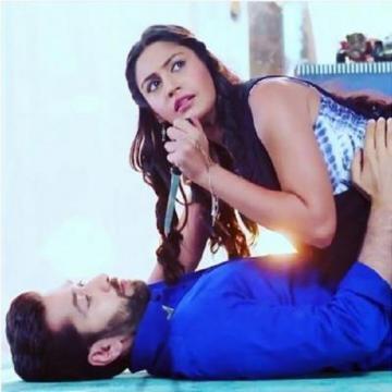 Anika and Shivaye in love (Youtube screen grab)