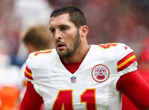 Report: Father of Chiefs LS James Winchester killed at airport ... - sportsnaut.com