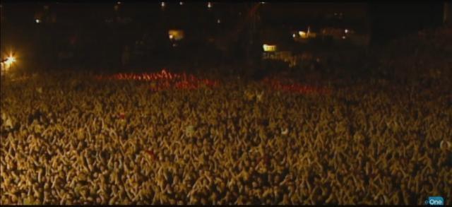 Increíble multitud en un show de Oasis