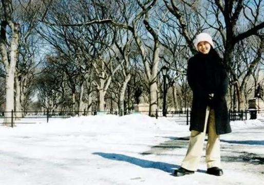 playing with snow & immersing with the beautiful winter view in Central Park