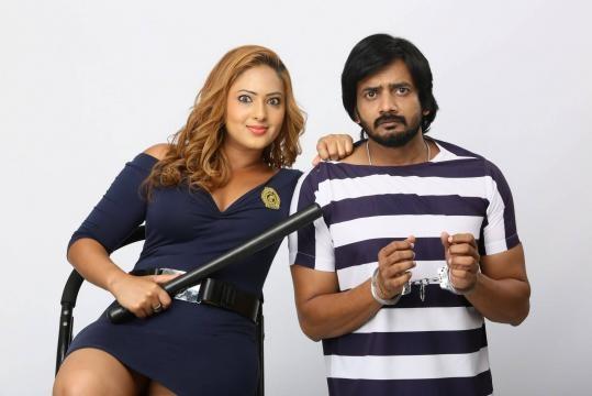 'Ekkadiki Pothavu Chinnavada' movie stills (Panasiabiz.com)