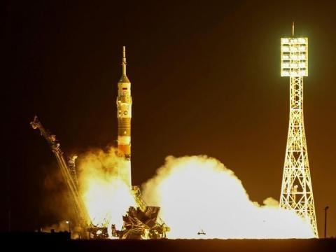 Départ de la fusée soyouz le 17 novembre pour un long voyage de deux jours