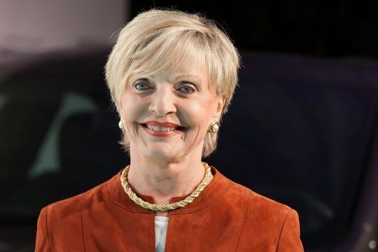 Florence Henderson, Star of 'The Brady Bunch,' Dies at 82 - popcrush.com