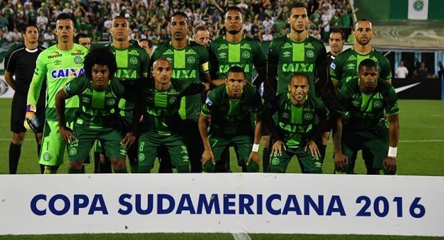 EN VIVO: Avión con futbolistas brasileños se estrella en Colombia ... - sputniknews.com