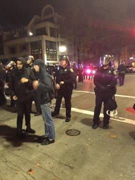 Berkeley, proteste in seguito all'elezione di Trump