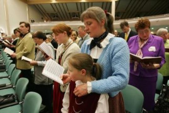 Creencias y prácticas de los Testigos de Jehová - asidicelabiblia.com
