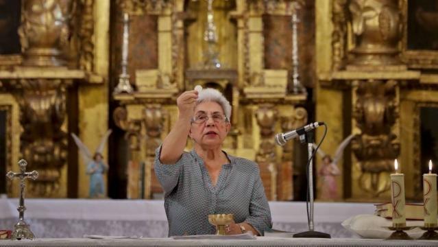 Las mujeres al rescate de la Iglesia católica