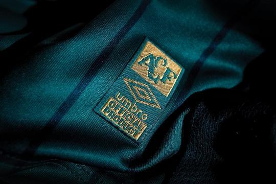 Camisas da Chapecoense 2015-2016 Umbro | Mantos do Futebol Camisas ... - com.br