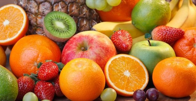 The top 25 healthy fruits: Blueberries, apples, cherries, bananas ... - canadianliving.com
