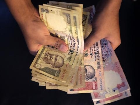 India bans Rs 500 and 1000 Rs currency (Panasiabiz.com)