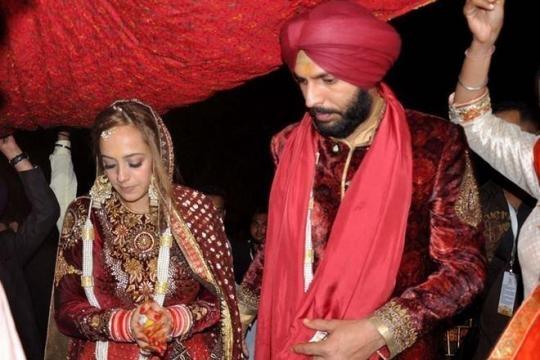 Yuvraj Singh - Hazel Keech wedding reception photos (Toutube screengrab)